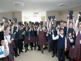 Сергей Щербаков и «Автотор» привезли подарки в Православную гимназию Калининграда